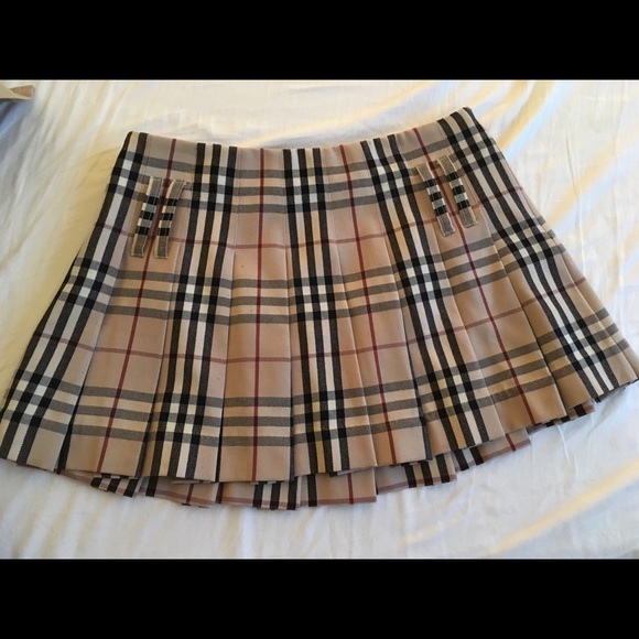 932b354547 Burberry Dresses & Skirts - Burberry Pleated Mini Skirt with Belt!